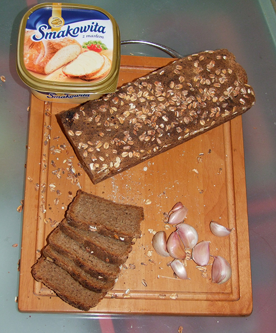 Pani Patrycja - Chleb żytni razowy z pieczonym czosnkiem