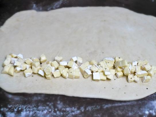 rolada z serem pleśniowym