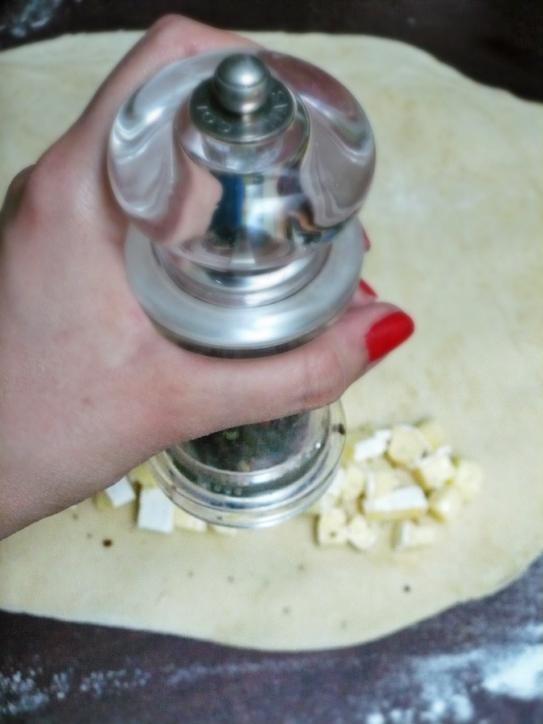 zawijane bułeczki z serem pleśniowym