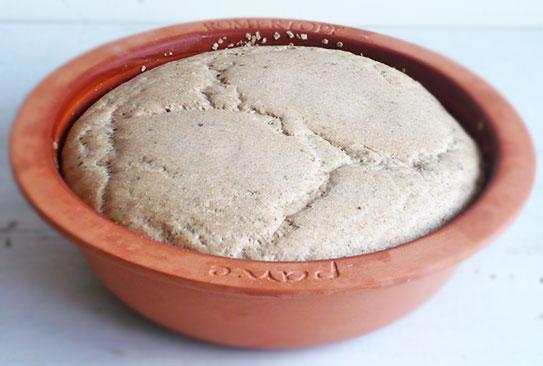 Pieczenie chleba w glinianym garnku