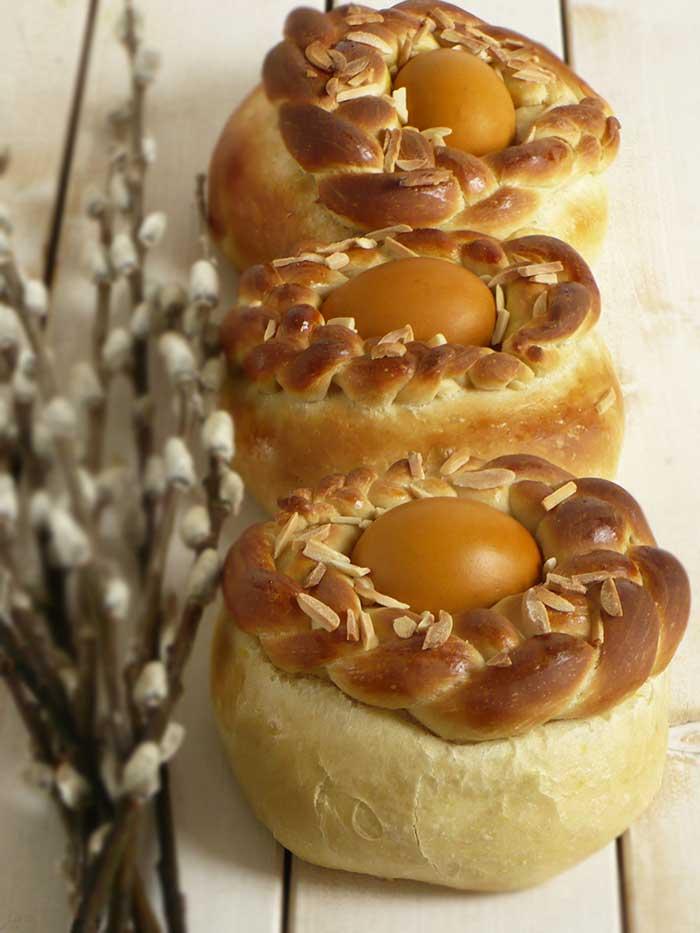 Tsoureki - greckie chlebki wielkanocne