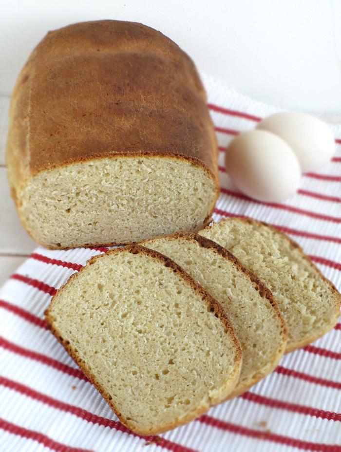 Mleczny chleb z jajkami