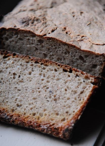 Chleb orkiszowo-żytni na zakwasie żytnim