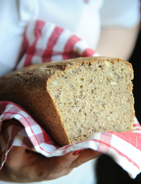 Chleb pszenny pełnoziarnisty z kminkiem