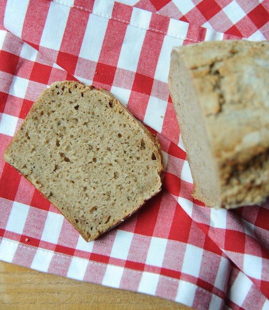 Chleb orkiszowo-żytni z estragonem na zakwasie