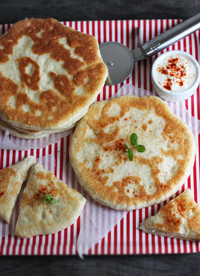 Gruzińskie chlebki - przepis na chaczapuri z serem