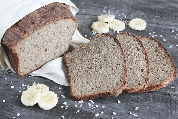 Chleb z owsianką bananową na zakwasie pszennym