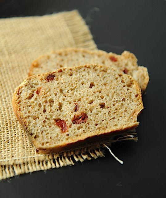 Chleb korzenny z rodzynkami (na zakwasie pszennym)