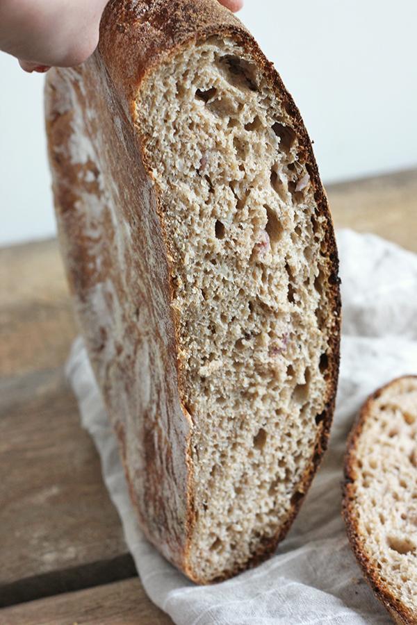 Chleb ruski na zakwasie żytnim
