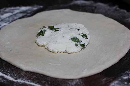 gruzińskie chlebki chaczapuri z grilla