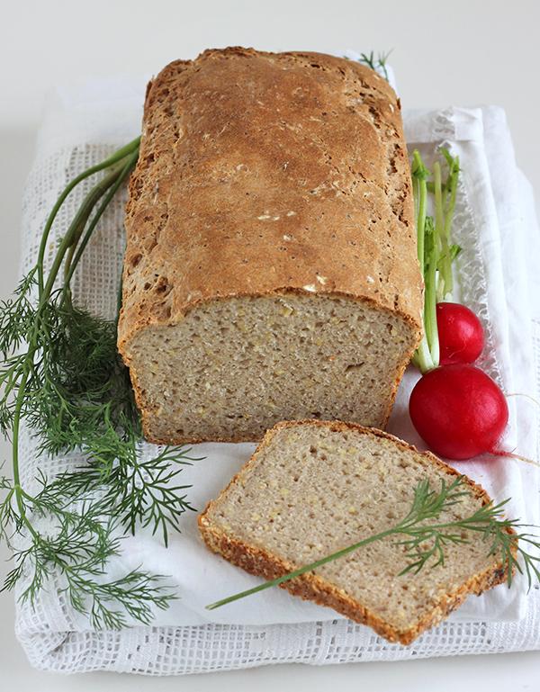 Chleb żytni z kaszą jaglaną na zakwasie