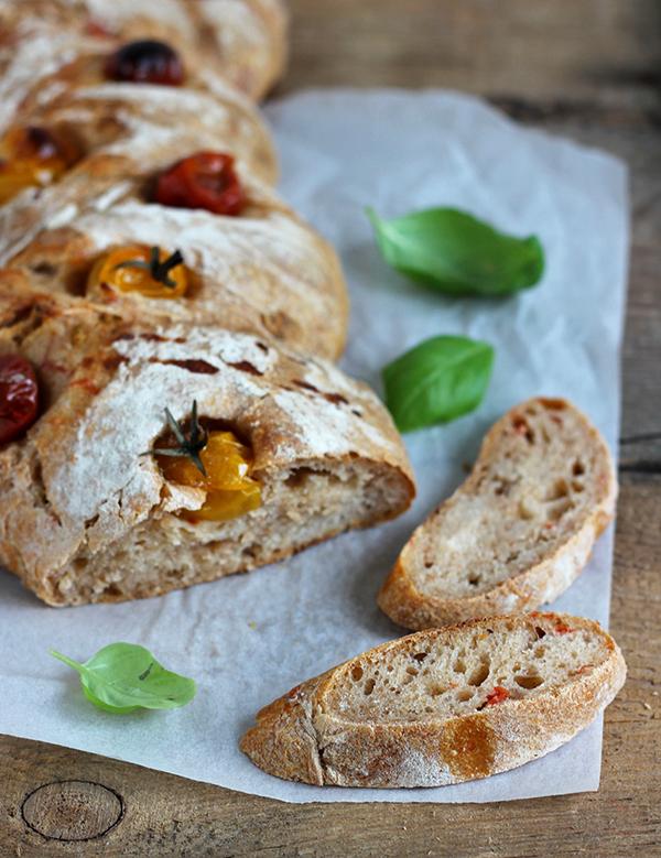 Ciabatta z pomidorami na zakwasie