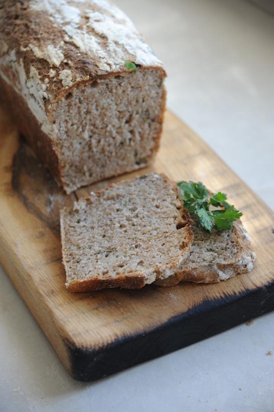 Chleb nocny z pietruszką