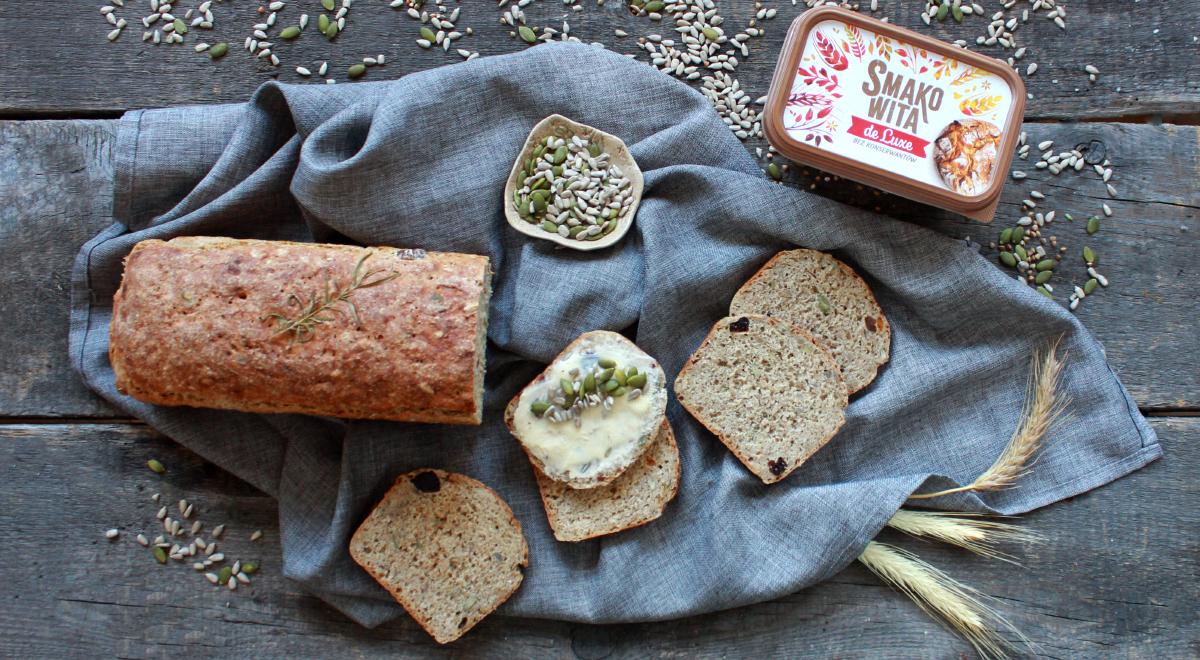 Chleb z ziarnami i ziołami