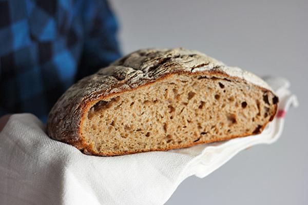 Chleb ziemniaczany z koperkiem na zakwasie