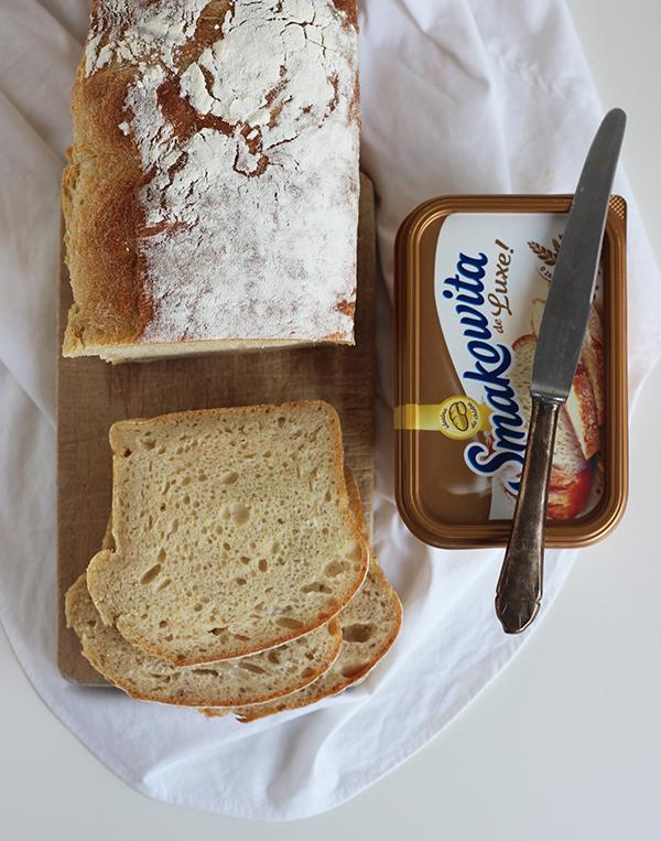 jogurtowy chleb tostowy na zakwasie