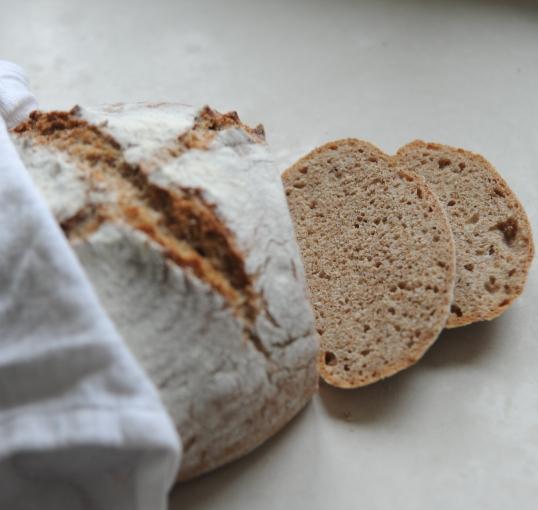 Chleb razowy na zaczynie drożdżowym