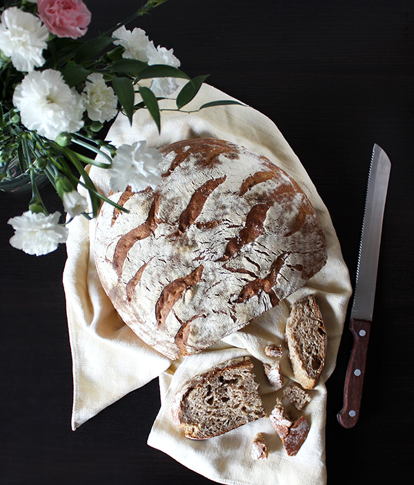 Chleb pszenno-żytni z prażoną mąką