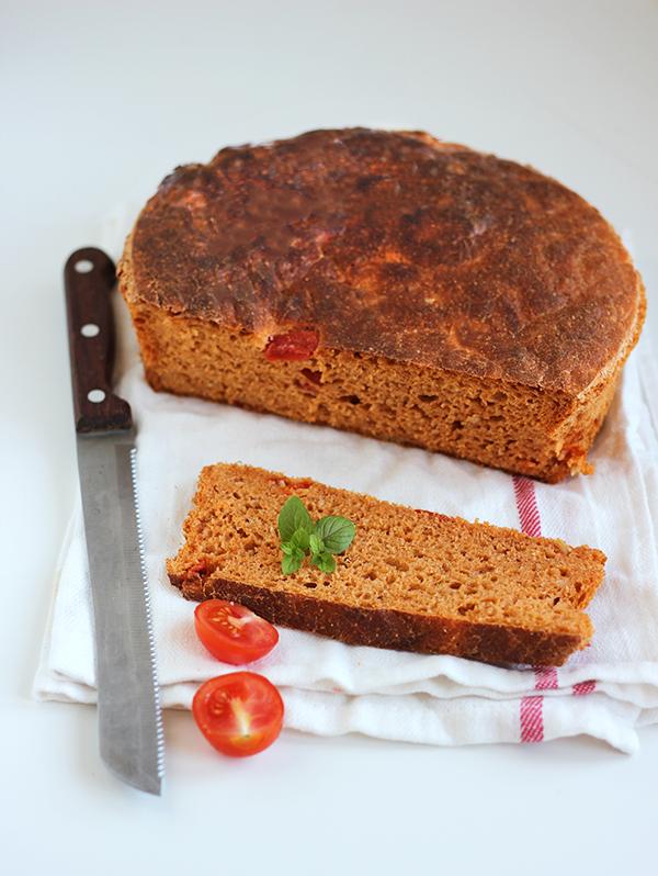 Toskański chleb pomidorowy