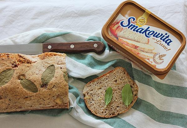 chleb z gruszką i pietruszką na zakwasie