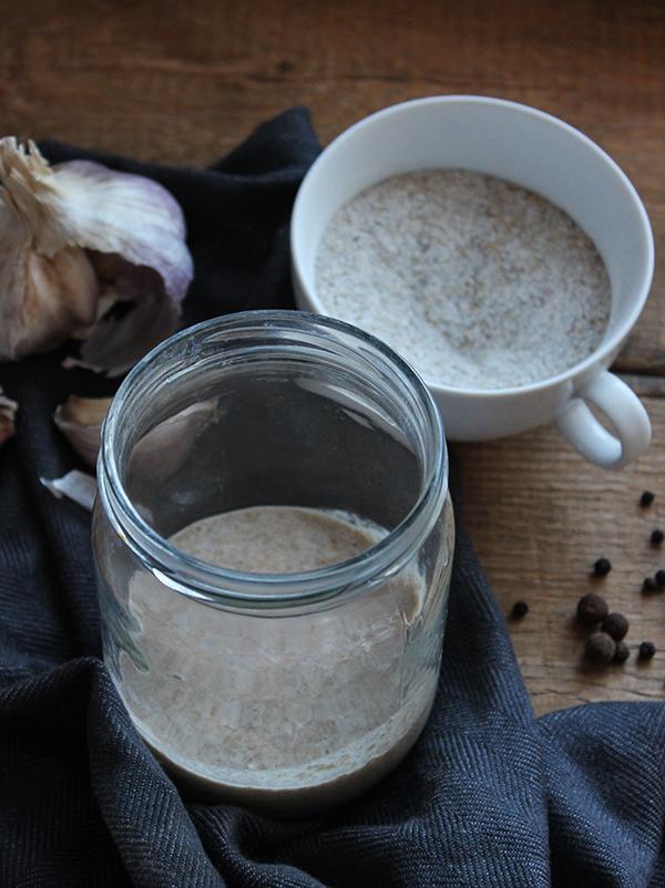 jak zrobić zakwas na żur z zakwasu chlebowego