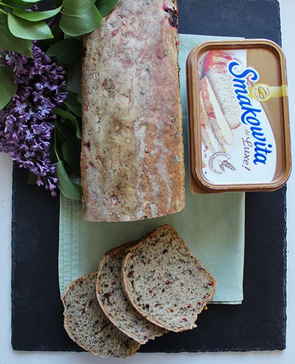 Chleb orkiszowy na zakwasie z botwinką