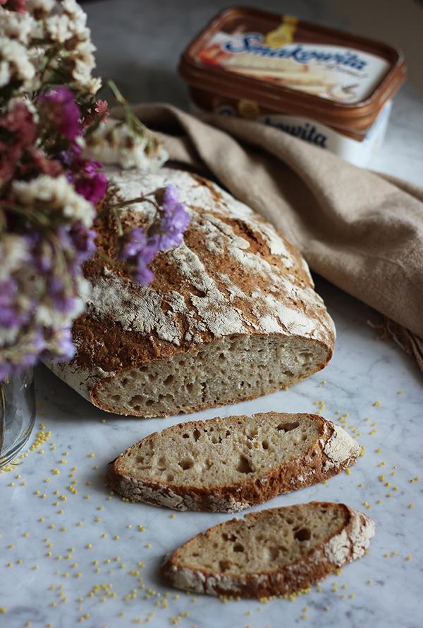 Chleb orkiszowy na zakwasie z kaszą jaglaną