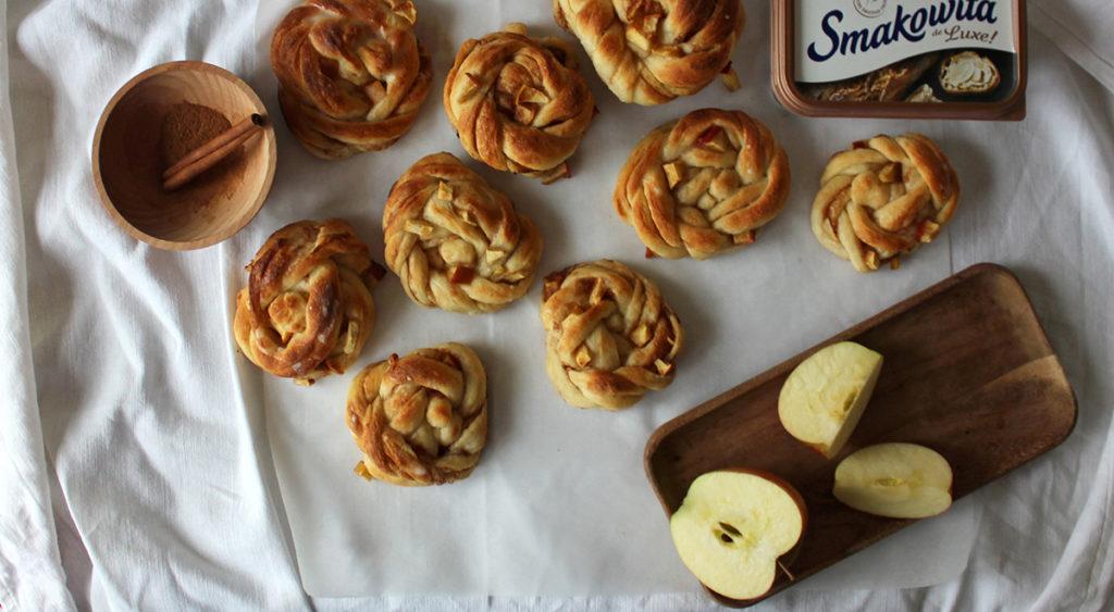 Kanelsnurrer - cynamonowe zawijańce z jabłkiem