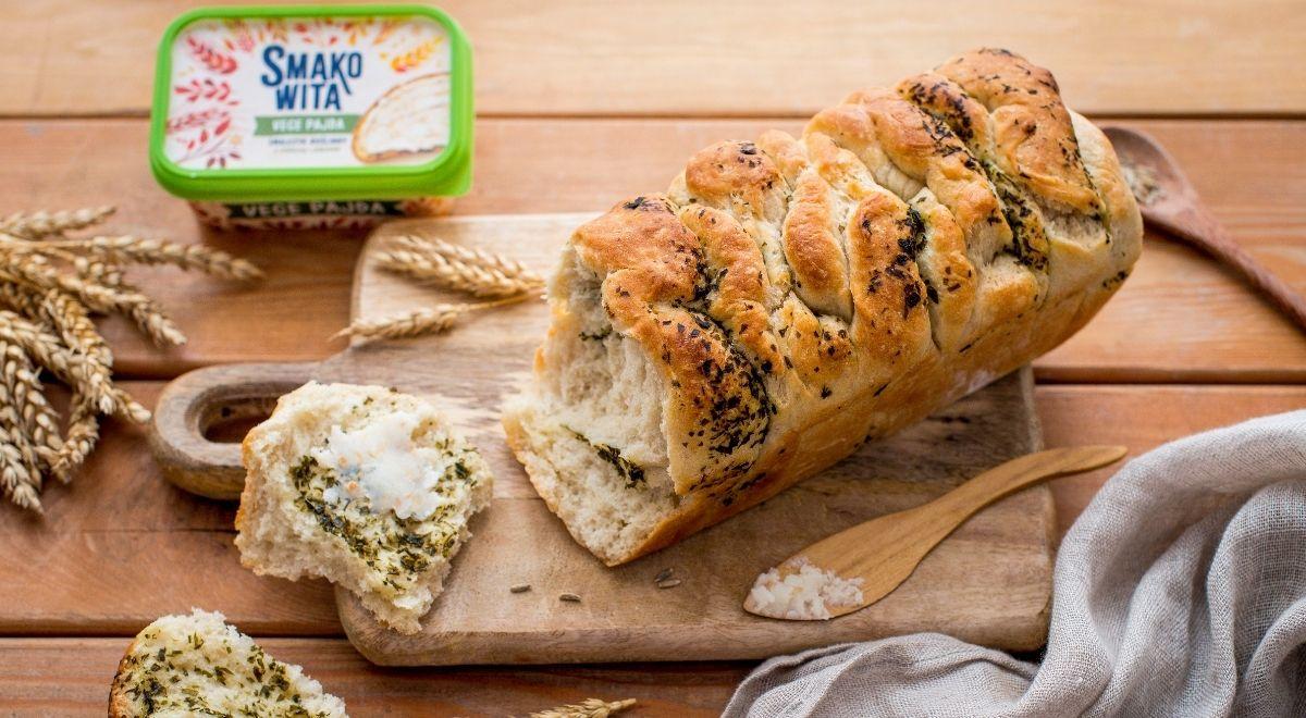 Odrywany chleb pietruszkowo-czosnkowy